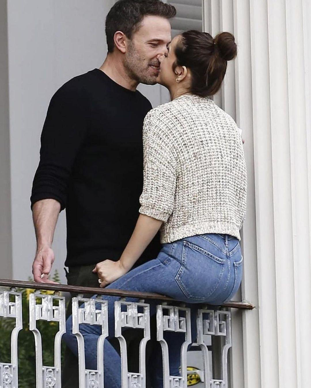 Ben-Affleck-and-Ana-de-Armas