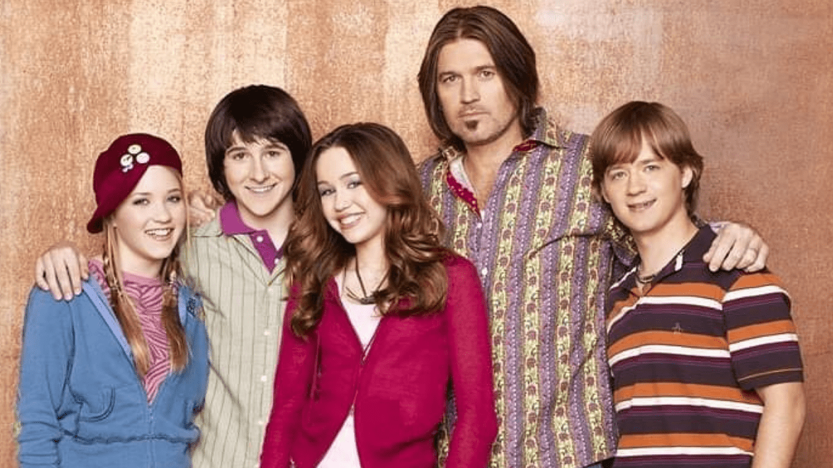 Is Hannah Montana Returning The Twitter Account Just Got Verified